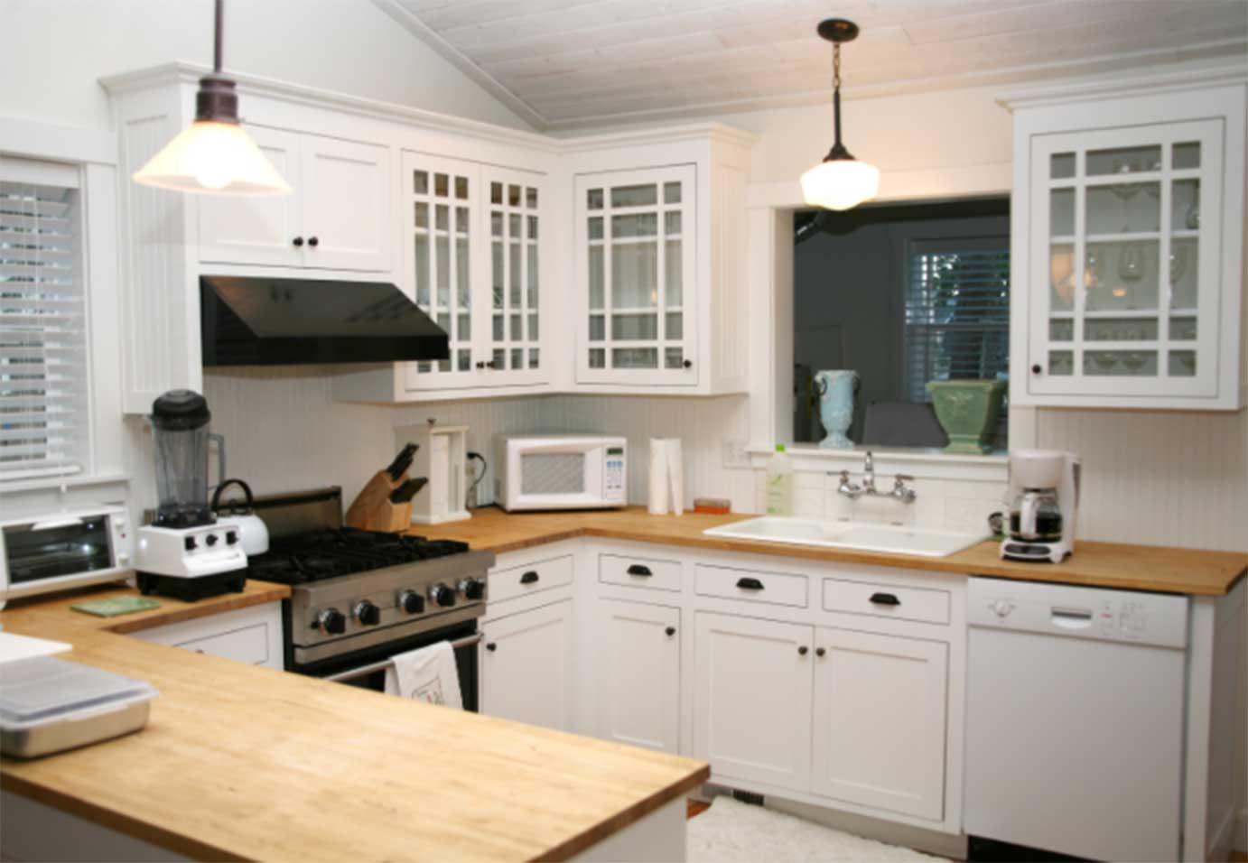 What Makes White Cabinets so Great?